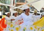 Culture Folkloric dancing group Riffort Dia di Bandera women dancing Curacao 01 copy